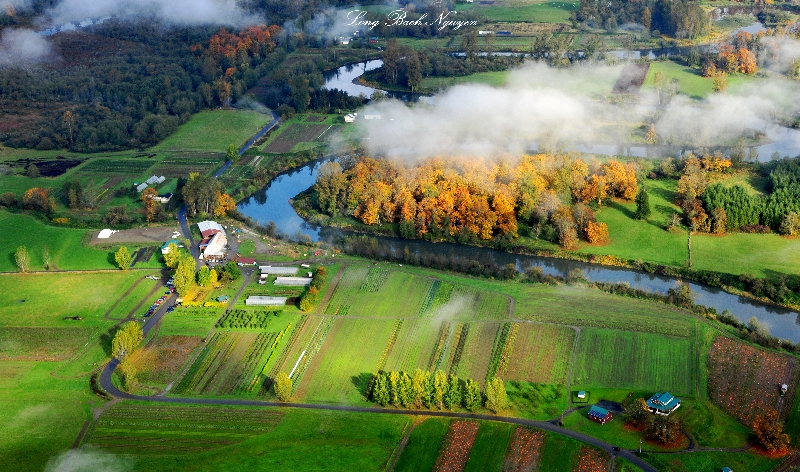 Jubilee Farm and Snoqualmie river