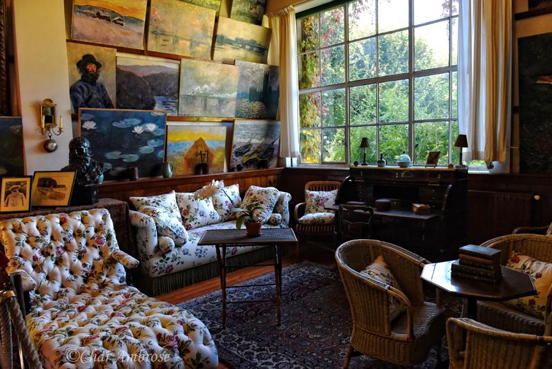 Monets Studio