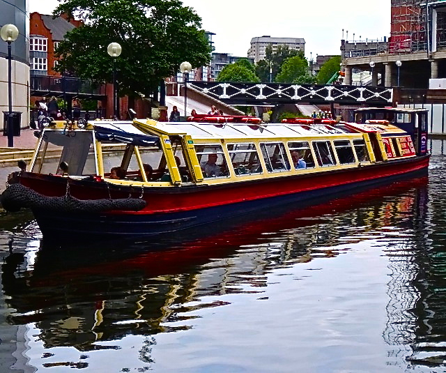Sightseeing on a canal boat