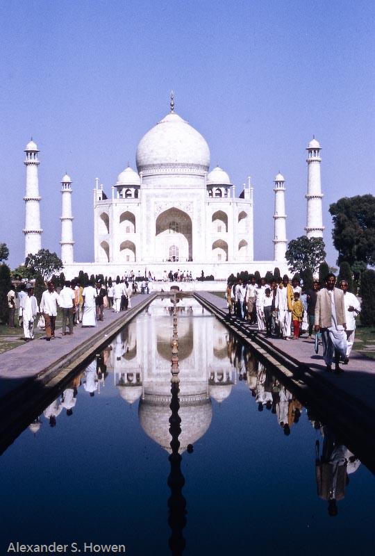 13 November - Taj Mahal surprise