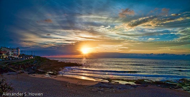 Glorious sunrise at Maroubra Beach