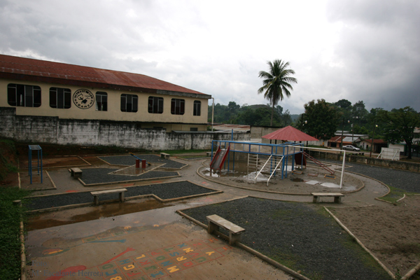 Iglesia Evangelica y Parque Infantil