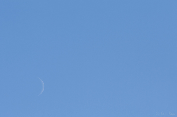 Midday Crescent Moon, Venus and Jupiter