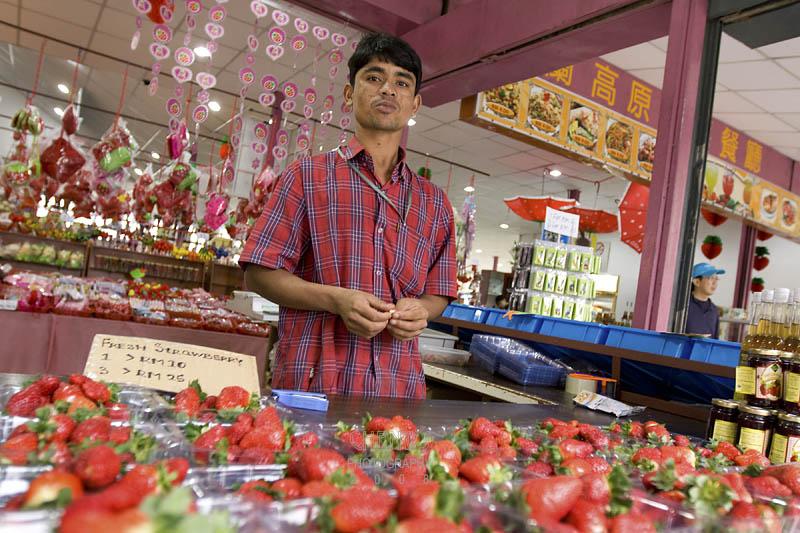 Selling strawberries