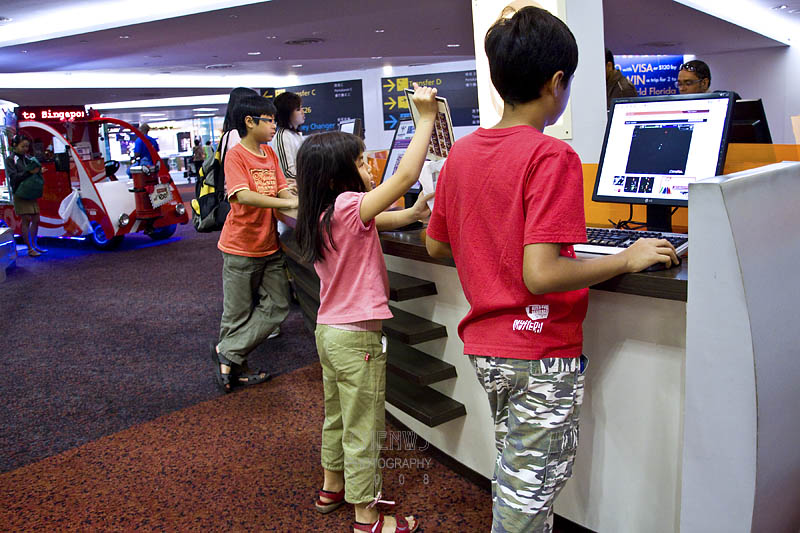 Kids at internet