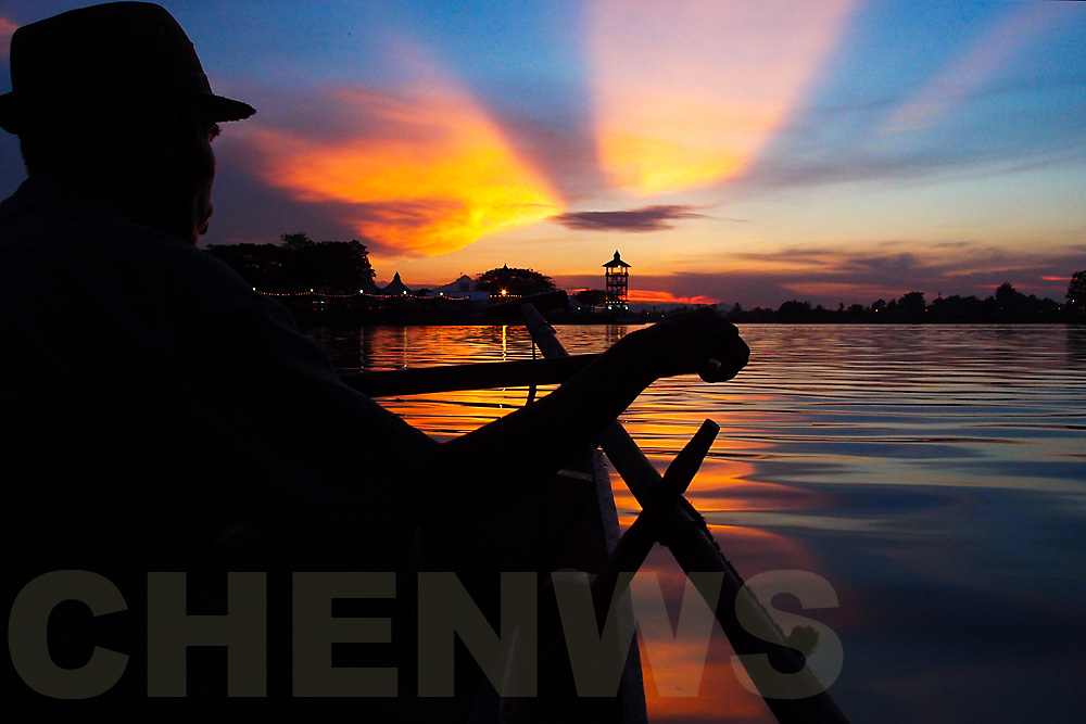 Sarawak River boatman