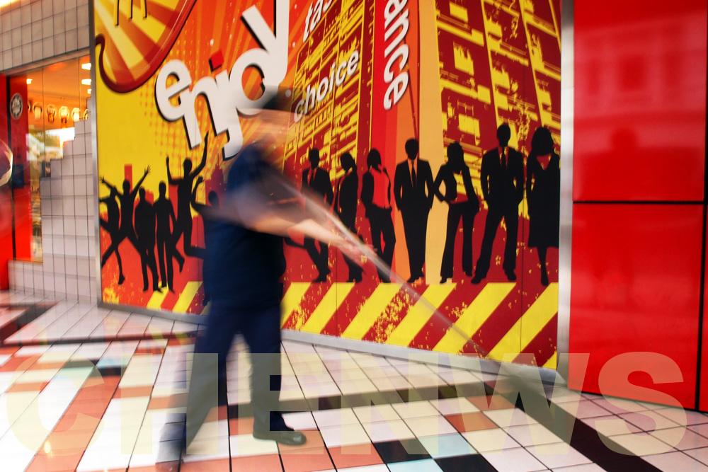 Restaurant cleaner 20110522-081646-008.jpg
