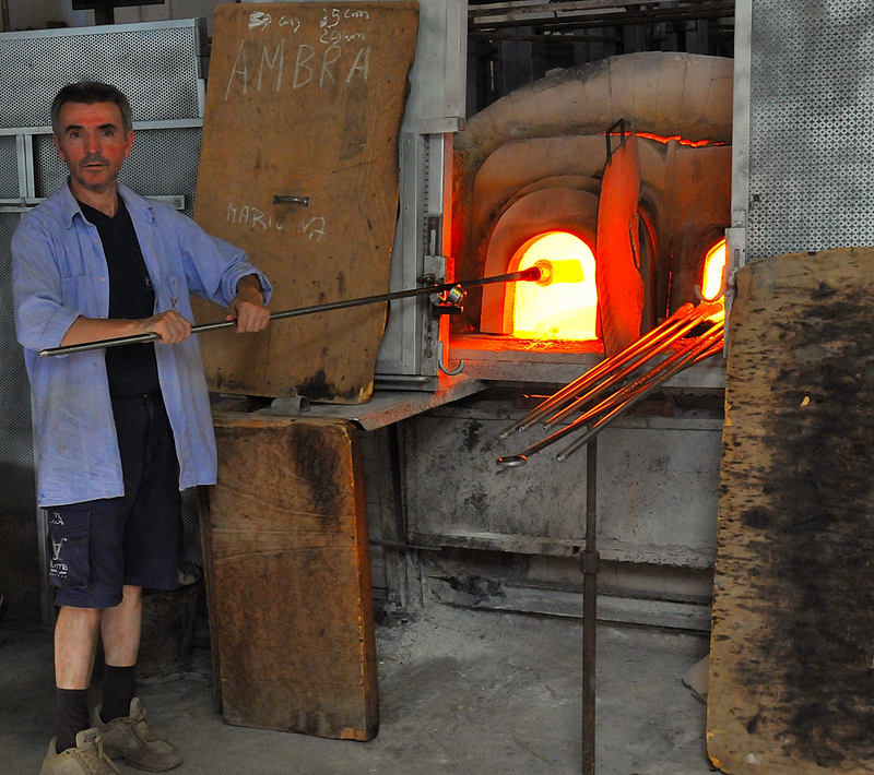 The Masters of Glass at work: They work at 1400 ° C ... I work at ISO 1600 !!!