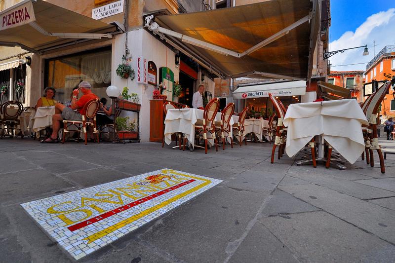 You are a lucky man? Go to Venice Casino:follow the arrow.....