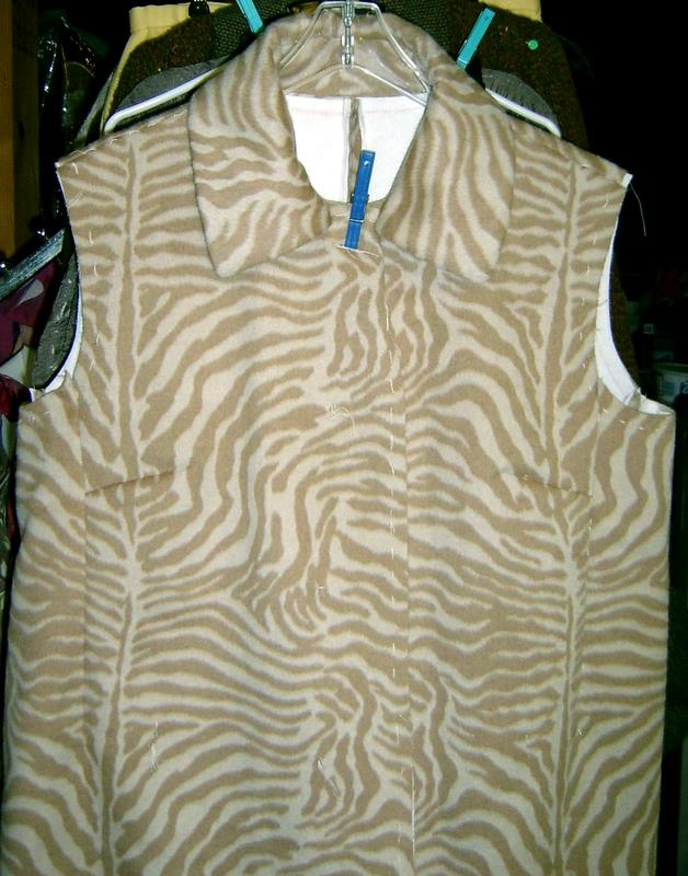 Coat Body with Unattached Collar