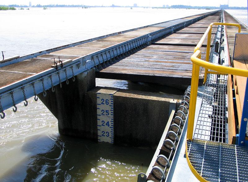 Spillway Gauge - April 23, 2008