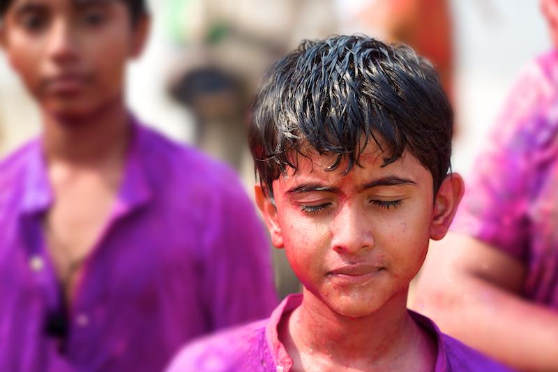Playing Holi in Mumbai, Juhu Beach