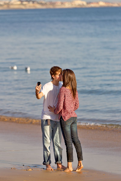 Kissing by the seaside