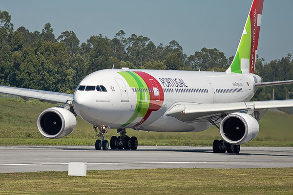 AirPortugals A330 departing from OPO to EWR (2)