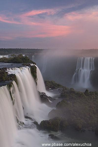 Cataratas do Iguacu- vista lado brasileiro - Foz do Iguacu- PR 9974.jpg