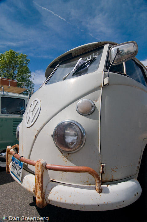 VW012