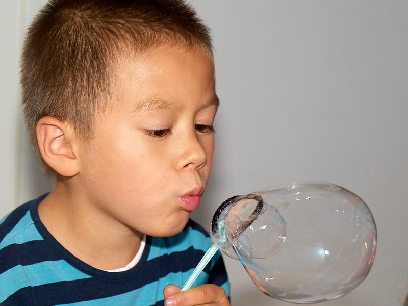 2009-09-28 Blowing bubbles