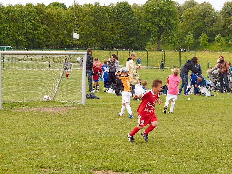 2011-05-14 Oliver scored a goal