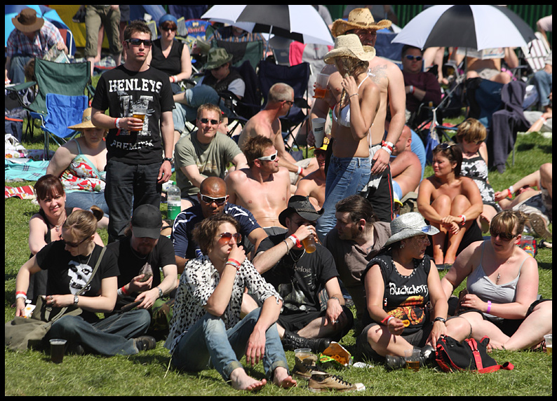 The Sunday Morning Main Stage Crowd
