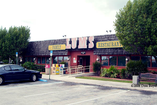 2008 The Exterior Of The Last Lums Restaurant In The Southeast In