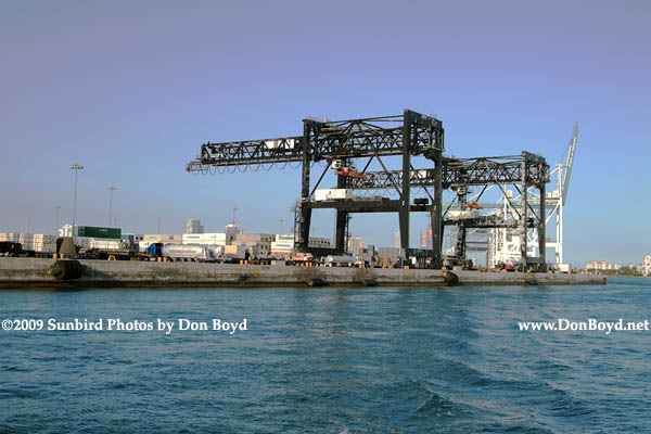 2009 - cargo cranes at the Port of Miami (#1645)