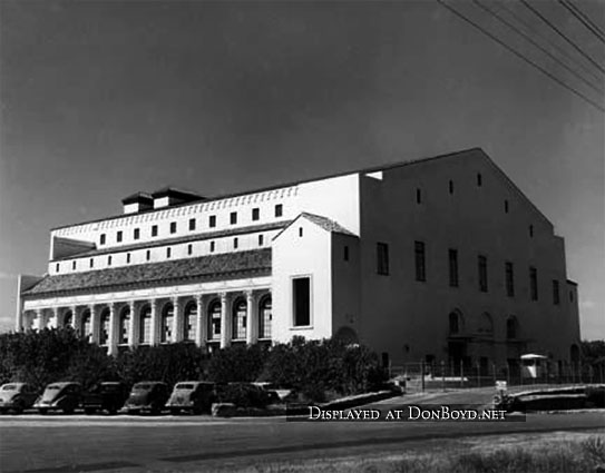 1940s - Embry-Riddle Technical School at the Coliseum in Coral Gables during World War II