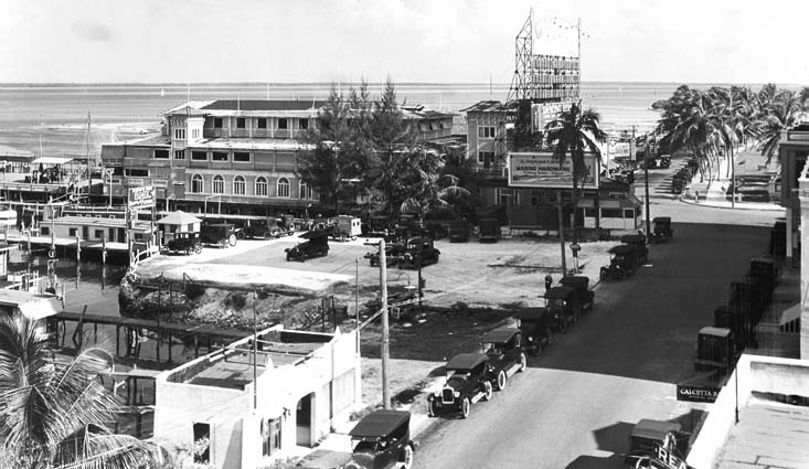 Mid 1920s - Elsers Pier area at 12th Street (now Flagler Street) and Biscayne Bay, Miami