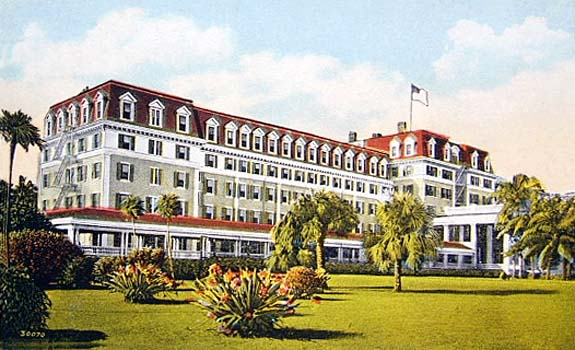 1920s - the Royal Palm Hotel on the Miami River at Biscayne Bay, Miami