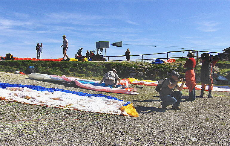 PARAGLIDER PREPARATIONS