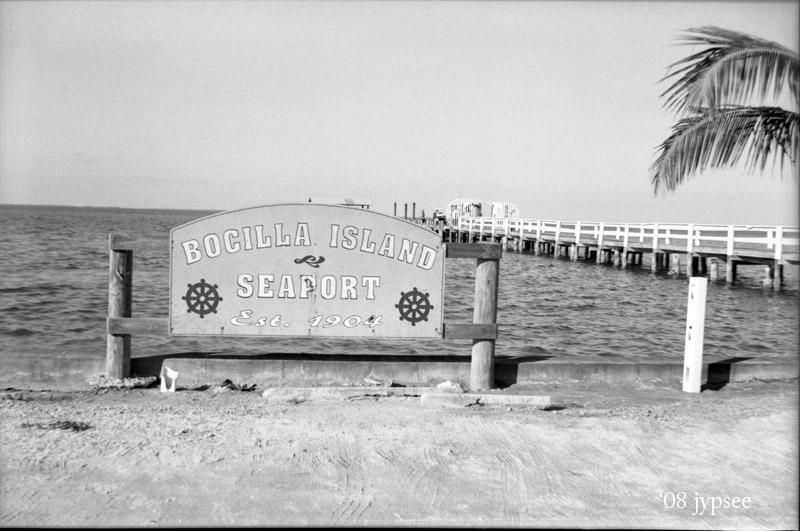 bocilla seaport, est 1904