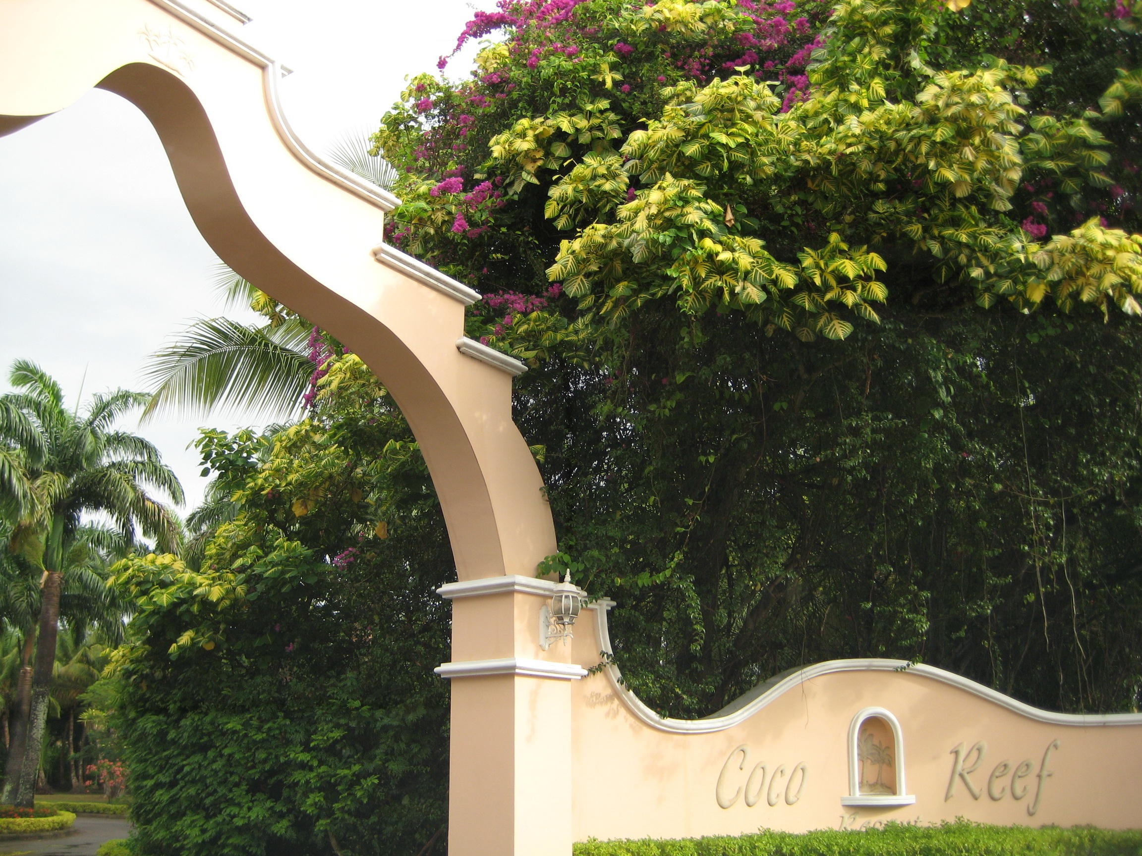 Entrance to Coco Reef Resort