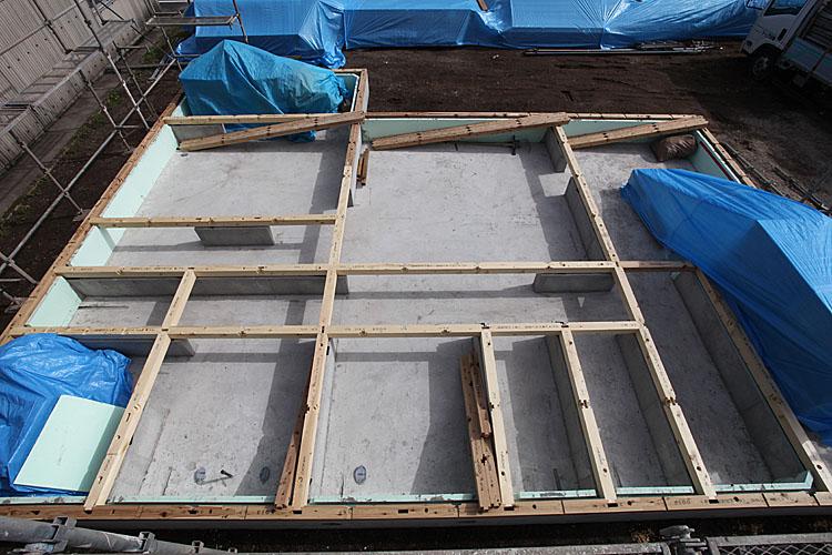 IMG_3782_concrete_and_floor joists.jpg