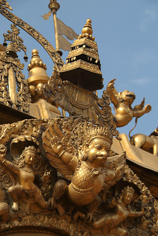 Detail on Golden Gate Bhaktapur 02