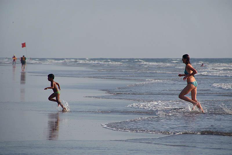Running from the Sea Mandrem