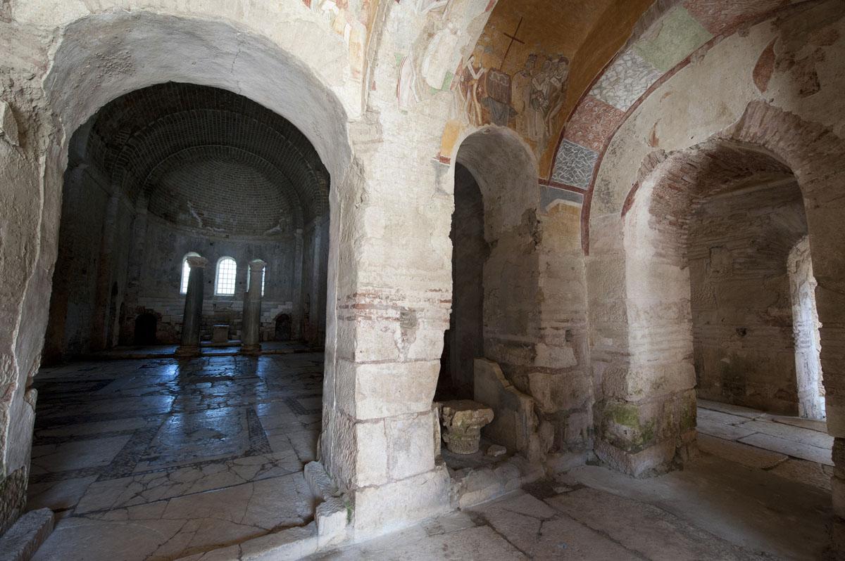 Myra Saint Nicolas church March 2011 5907.jpg