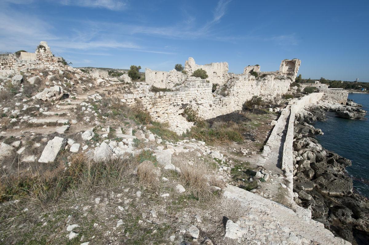 Kizkalesi and Ayas December 2011 1155.jpg