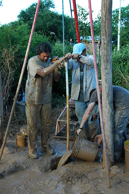 Drilling a water well in Pozo Verde
