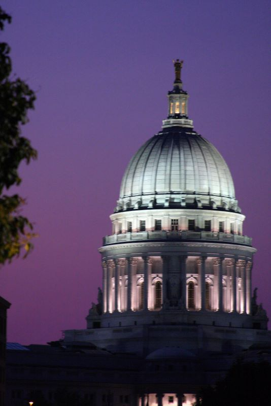 Purple skies fit the Capitol like a glove, Madison, WI