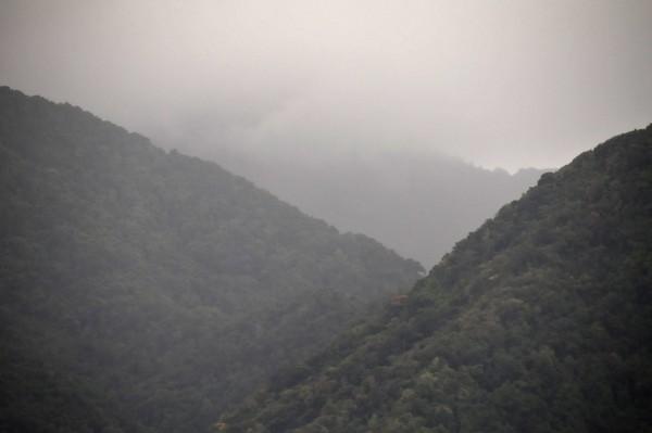 17 3440 Rain in valley beyond Roseau