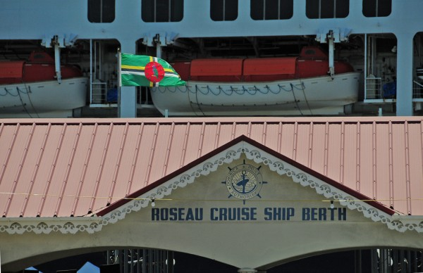 19 3945 Roseau Cruise Ship Berth