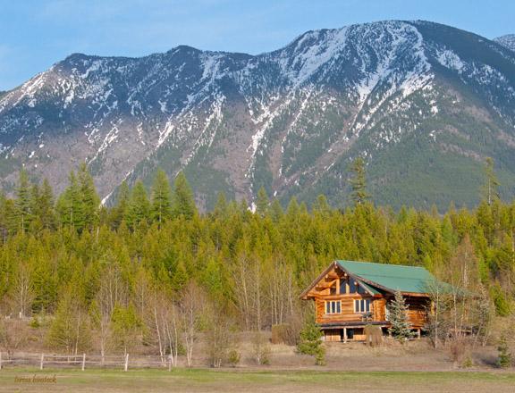 z P1080511 Cabin in situ near Glacier.jpg