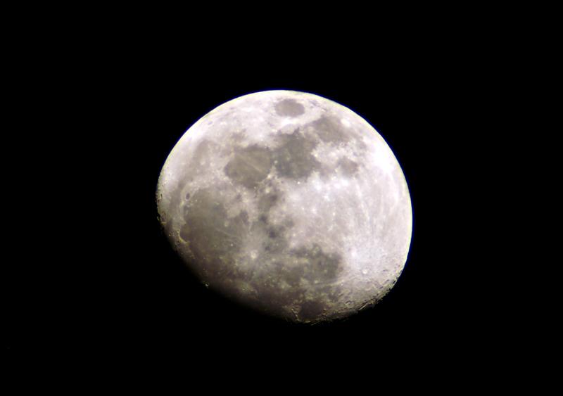 Moon3-26-10HDRsmall.jpg