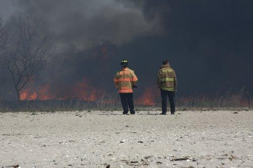 20080424_milford_ct_marsh_fire_silver_sands-05.JPG