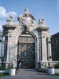 Varhegy Gate