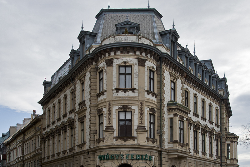 Grand apartment on Széchenyi Tér