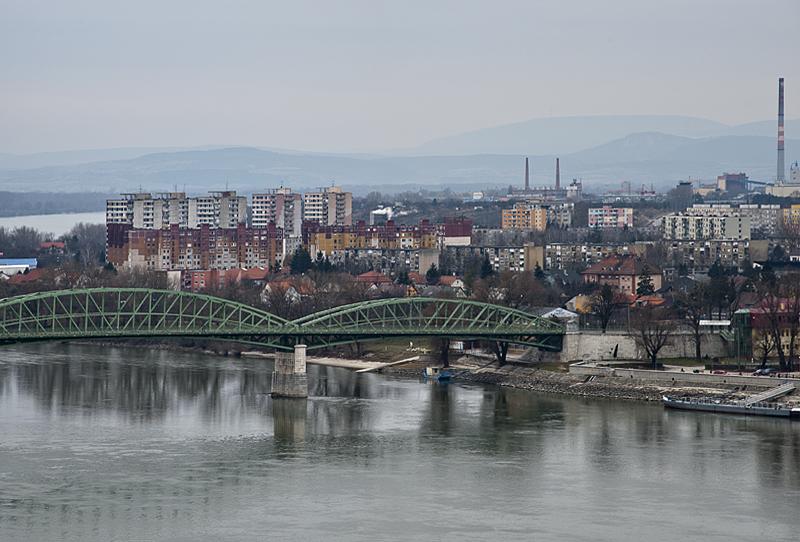 Border with Slovakia at Esztergom