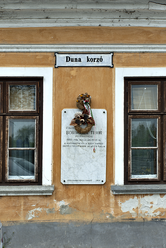Quiet memorial on the Danube