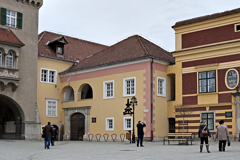 Generals House, Miklós Jurisics tér