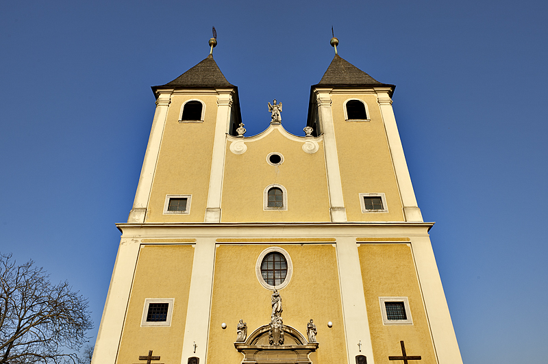 Fert&#337széplak, Roman Catholic church