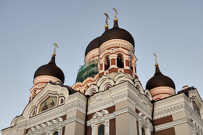 Sunset on Alexander Nevsky Cathedral (10:32 p.m.)